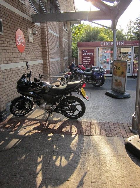 Motorbikes, The Willows