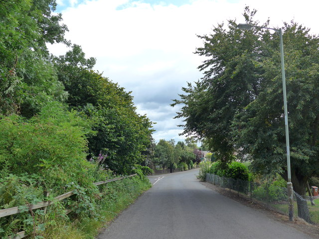 Looking south-southwest in Sauchie Road