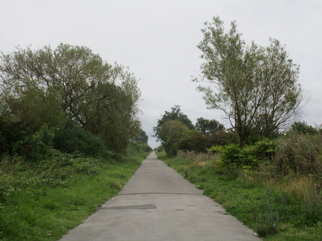 Cycle route along the line of the former railway to Withernsea