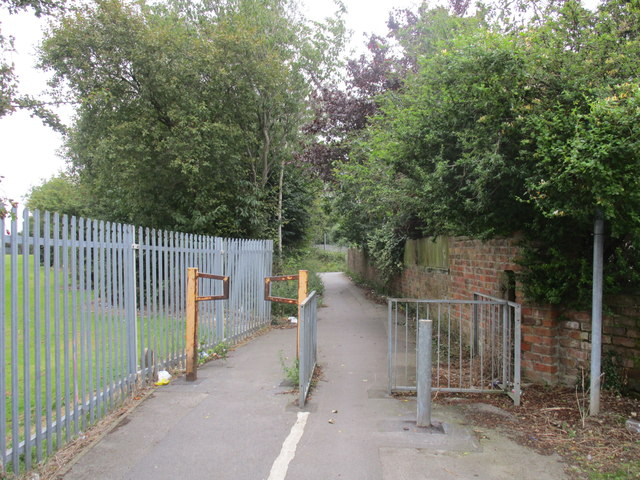 Foot and cycle path. Marfleet Lane