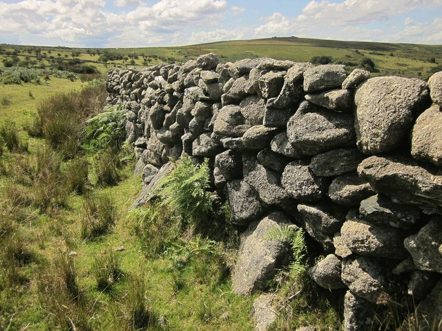 Granite wall, Emsworthy
