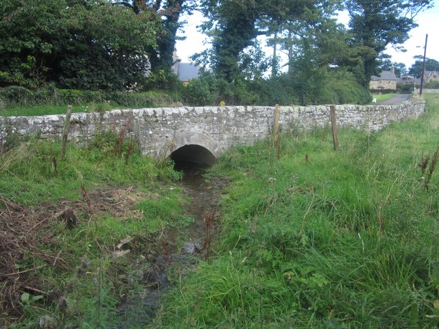 Bridge over a small burn at Howick