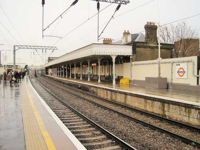 Camden Road railway station, Greater London