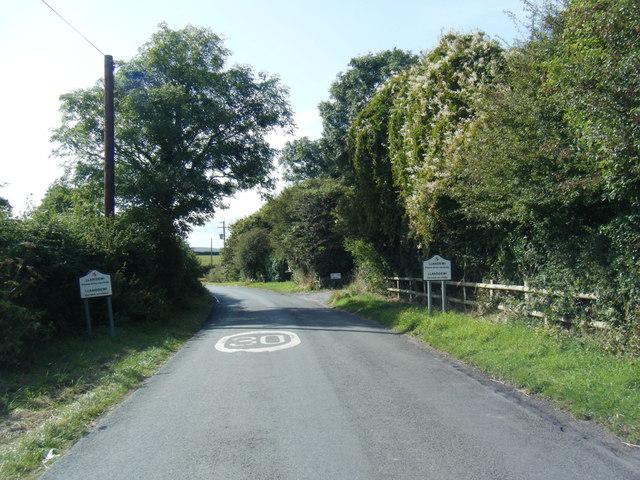 Lane at Llanddewi village boundary