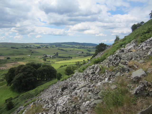 The rocky southern slopes of Loudoun Hill