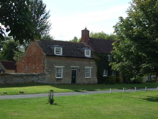 Cottages off Stocks Green, Elton