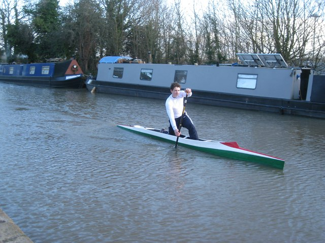 Paddling past the canal moorings by Tesco, east of Bridge 46, Warwick