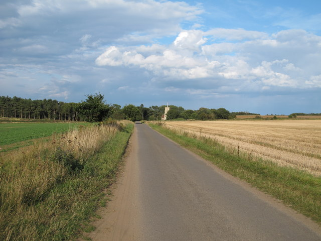 Road through arable land from Five Cross Ways to Sudbourne Church