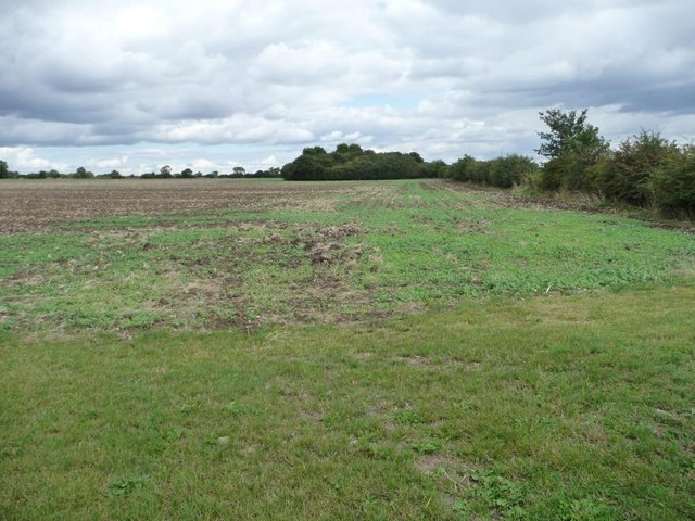 Farmland north-west of Bickmarsh Hall