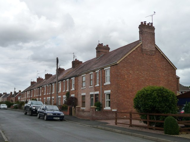 Houses on the est side of Chapel Street, Badsey