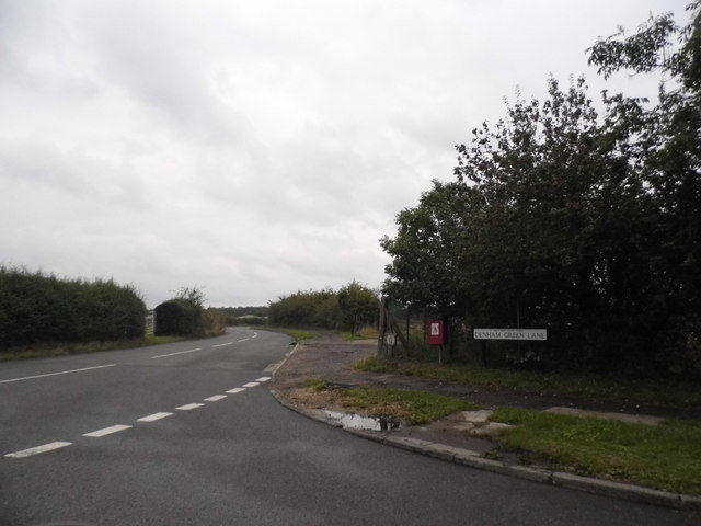 Denham Green Lane at the junction of Tilehouse Lane