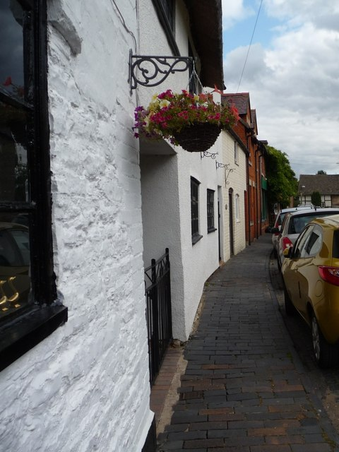 Narrow brick pavement at Bretforton