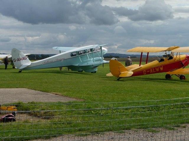 Biplanes at Bidford Airfield