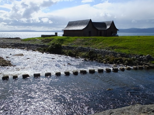 Stepping stones and boathouse at Dougarie