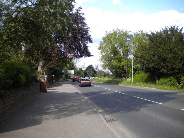 Peak traffic approaching Lowdham