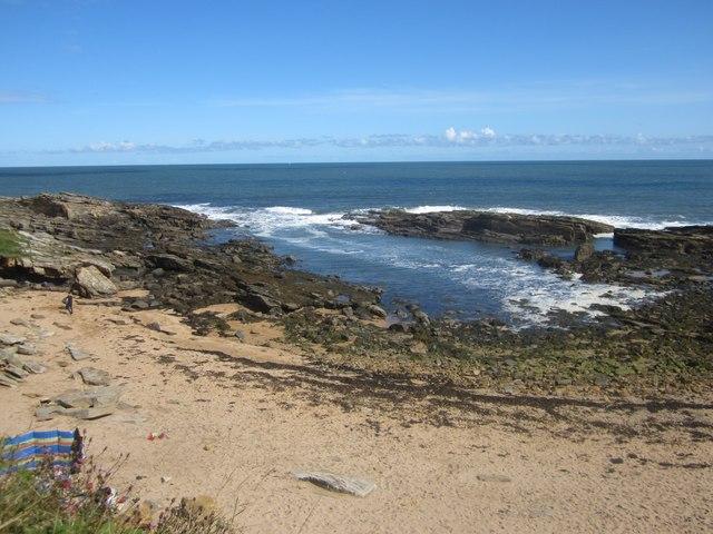 The rocky coastline at Sea Houses
