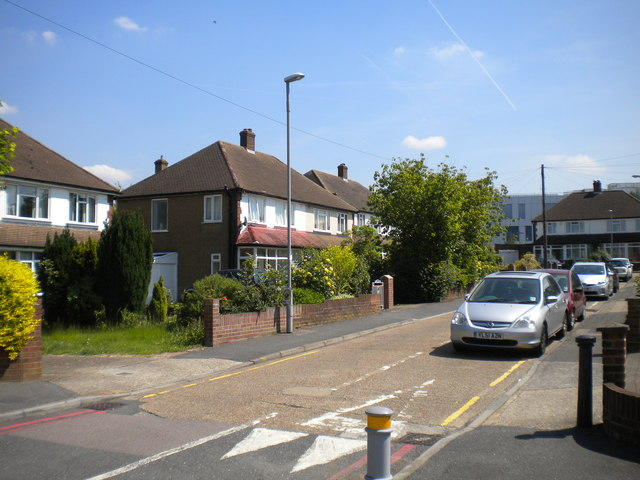 Burton Close, Chessington