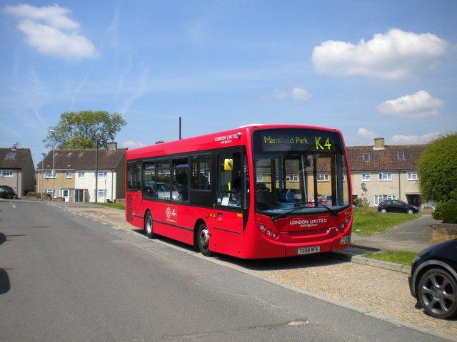 Bus on Ripon Gardens, Hook