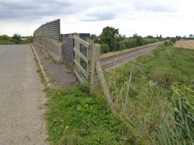 Cheal bridge and railway tracks - Gosberton Cheal