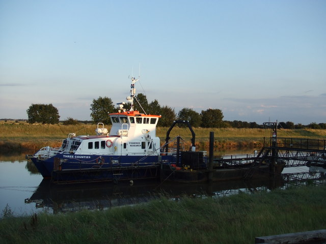 Three Counties - A fisheries research vessel at Port Sutton Bridge