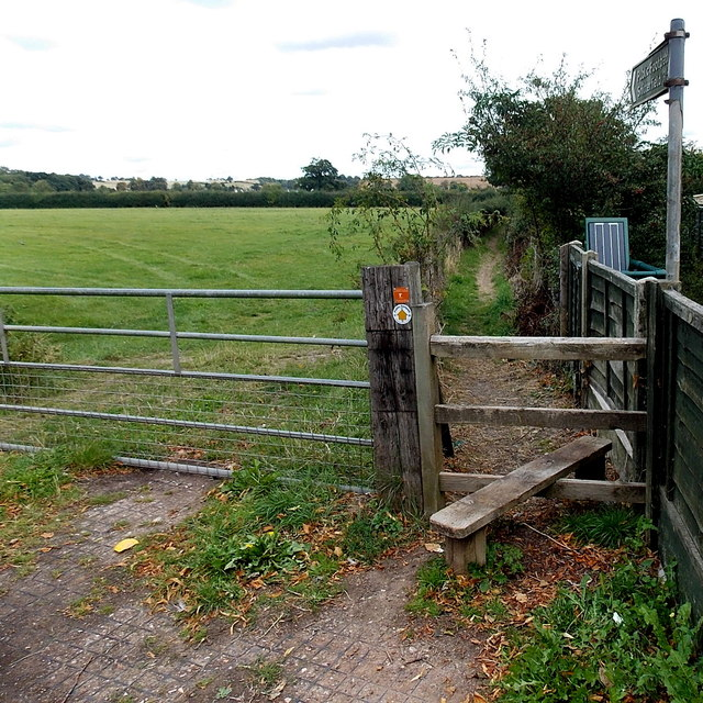 Public footpath from Stratford-upon-Avon to Snitterfield
