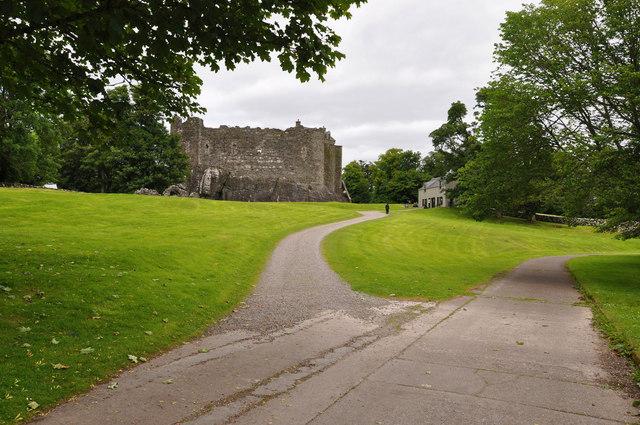 Path to Dunstaffnage Castle