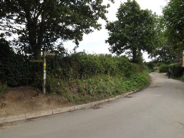 Lane & footpath to Flatford Mill