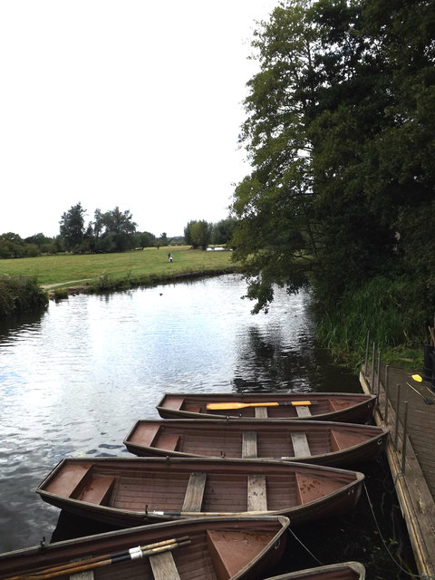 River Stour & Rowing Boats awaiting hire