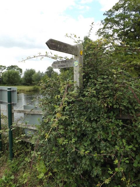 Footpath sign at Flatford