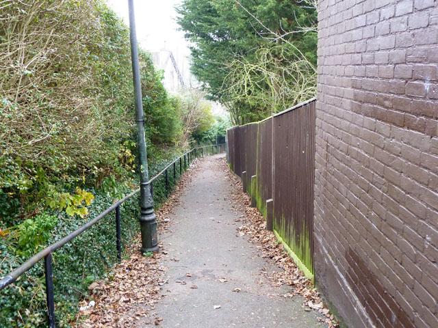Croydon footpath 101