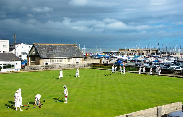 Lyme Regis: Bowls before the storm