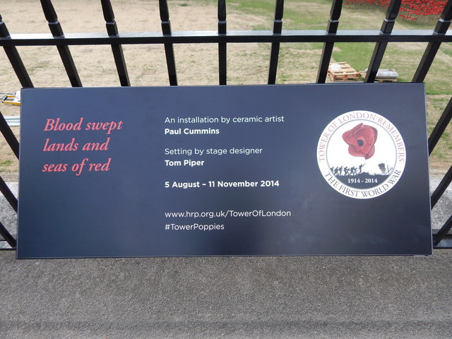 Tower of London remembrance 2014 sign