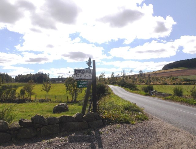 B993 junction for Hill of Beltie and Birkneuk
