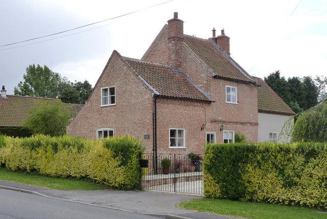 The Old Harrow Inn, Top Street