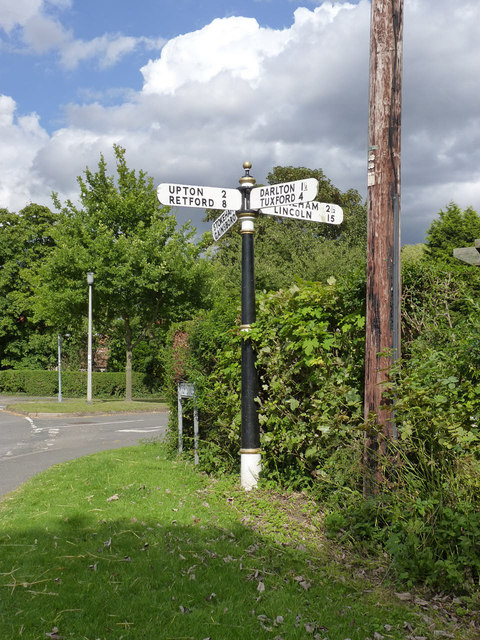 Fingerpost at East Drayton, The Green