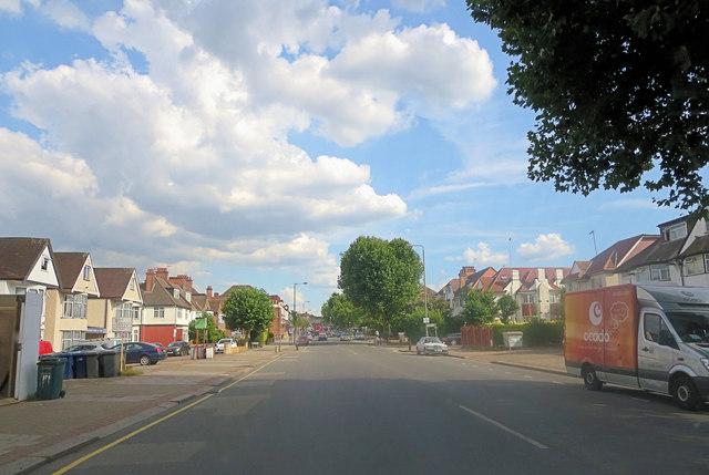 Golders Green Road northwest of the railway bridge