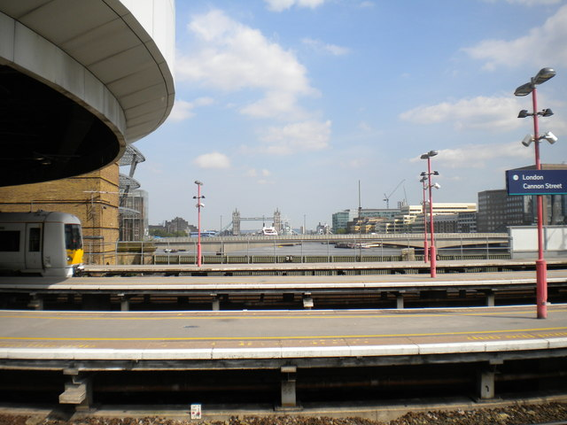 Across the platforms at London Cannon Street (2)