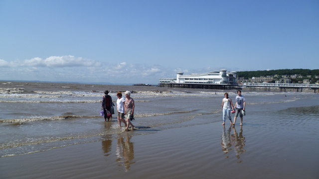 The seashore at Weston-super-Mare in August