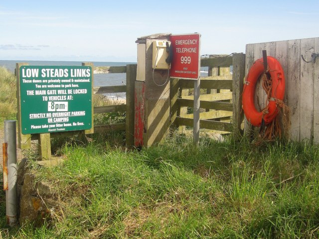 Notices and safety equipment, Low Stead Links