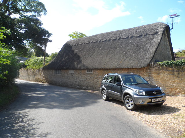 Thatched building near to St Mary's church, Lillington Lovell