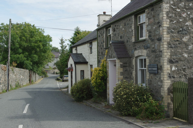 Cottages in Llannor