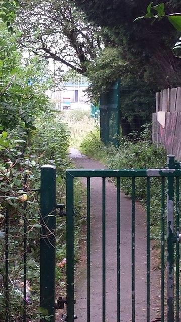 Path leading towards Moss Road footbridge