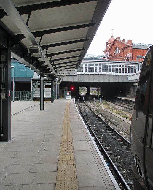 Nottingham Midland: on Platform 7