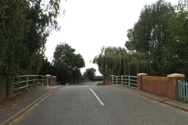 B1068 Lower Street at Higham Bridge