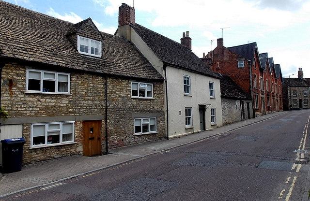 Housing variety, Gloucester Road, Malmesbury