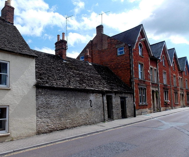Windowless house frontage, Gloucester Road, Malmesbury