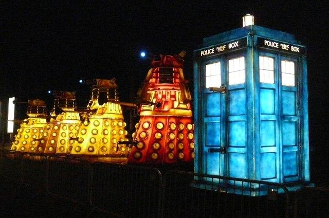 Four Daleks and the Tardis