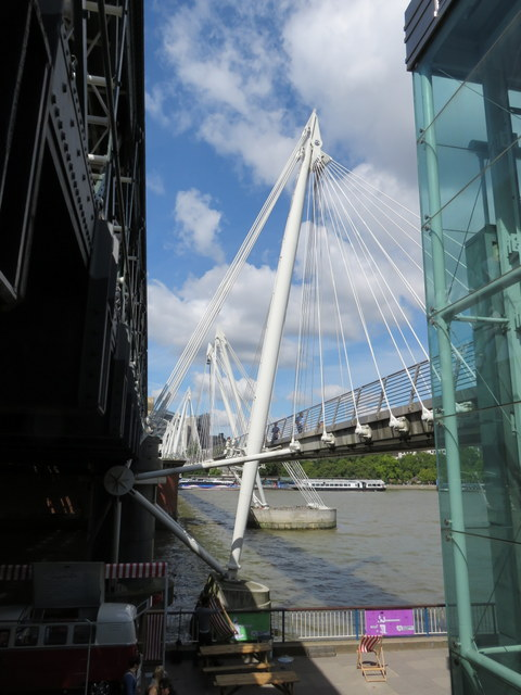 The Hungerford Golden Jubilee Bridge - north