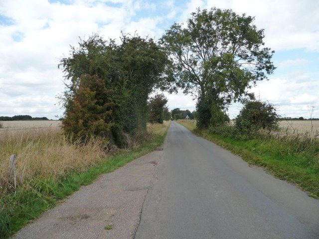 The road to the Barringtons, heading north