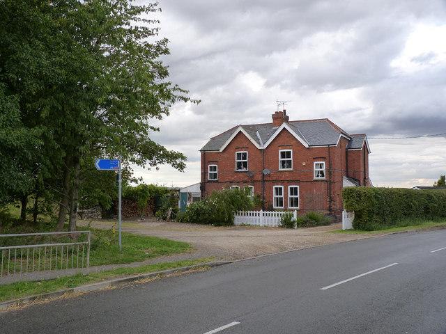 Station Cottages, Fledborough